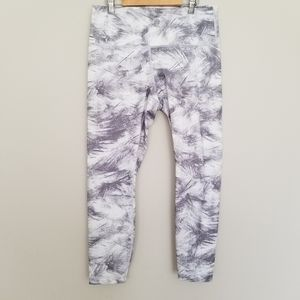 Lululemon Athetica gray & white 3/4 leggings 12